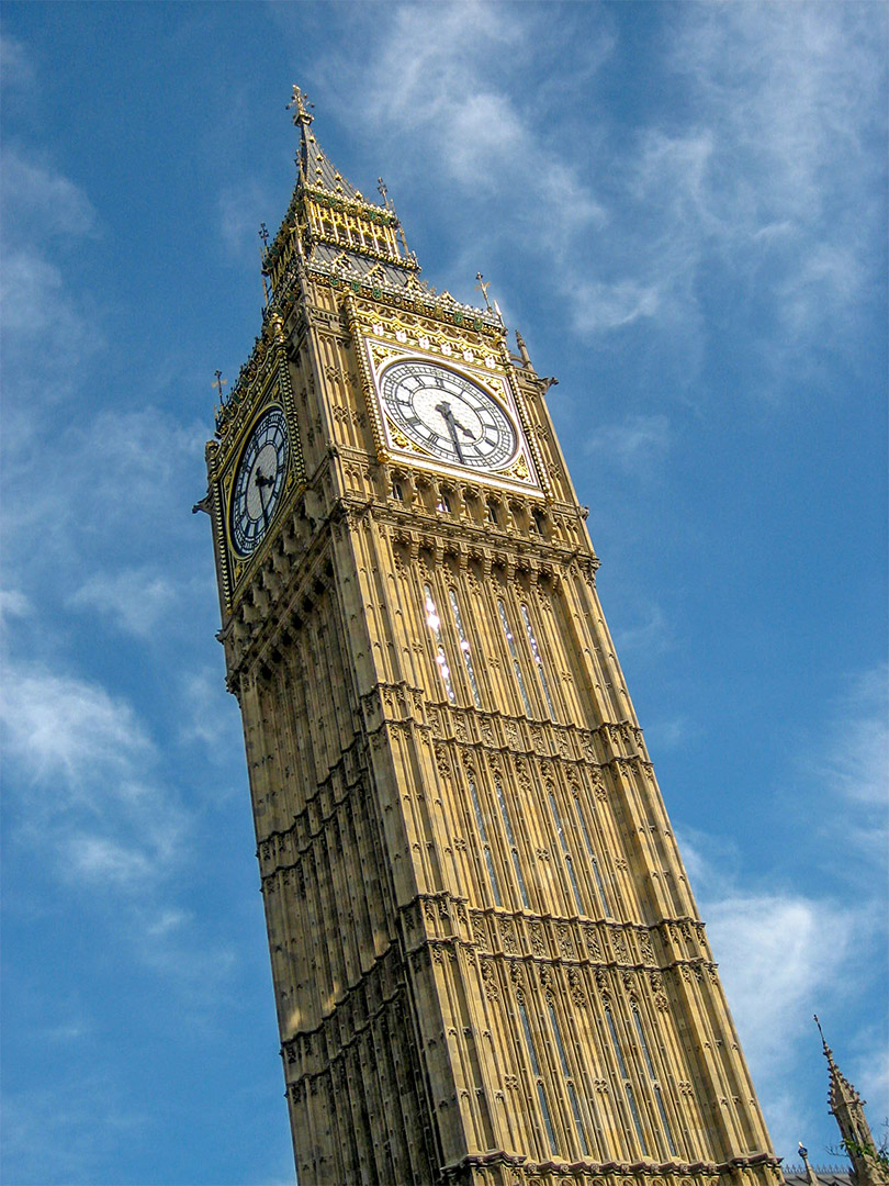 looking up at elizabeth tower (containing Big Ben) in London