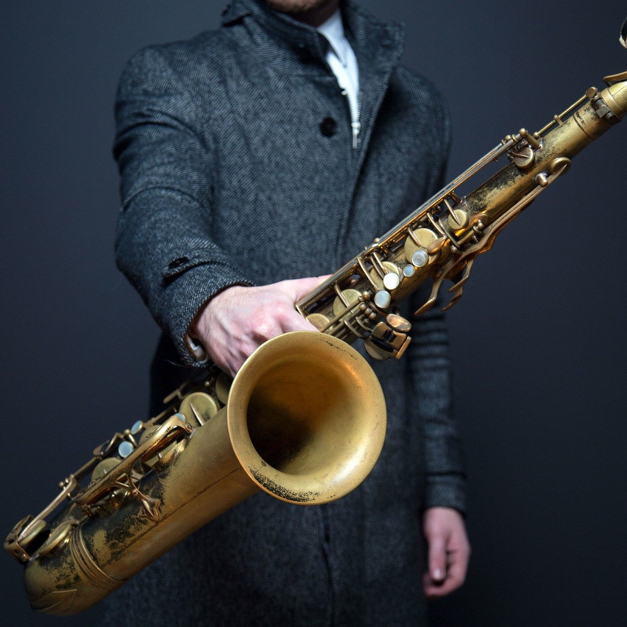 Saxophone held by player